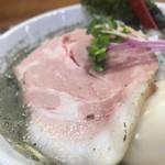 109263431 - 煮干らーめんヤバニボ醤油+旨味とコクのとろとろ味玉(アップ①)