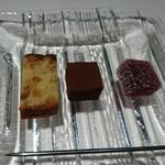 パトゥ - 小菓子たち。
