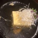 味享 - 浜松は服部中村養鼈場の三年上物のスッポン汁。お出汁はスッポンの汗と塩のみ。汗が出きっているかと思いきや、その身肉にも十分な旨味が充満しています。養鼈場の実力違いを垣間見ました