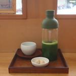 ほっこり桜カフェ - シャカシャカ抹茶