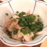 鴨すき 鴨しゃぶ なかもぐろ - 牛酢モツ  ¥480