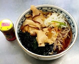 信州蕎麦処 しなの - 信州蕎麦処 しなの@長野駅6・7番線ホーム きのこそば(440円)