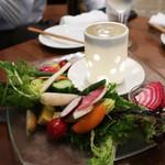 オイスターバー COVO - 鎌倉有機野菜のバーニャカウダ