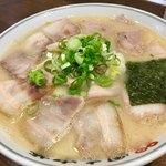 岡本中華 - 肉そば
