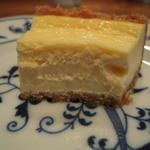 ケンダース珈琲店 - チーズケーキはこんな感じ