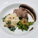 109295016 - 大蒜とレモンタイムのリゾット 仔羊腿肉のグリル ルッコラとピスタチオ グレープフルーツのサラダ 黒大蒜とマスタードのソース