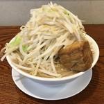 ロックオブエイジズ - 料理写真:太麺 小盛り 野菜増し
