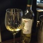 10930880 - 白ワイン。確か3800円