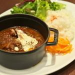 カフェ&ブックス ビブリオテーク - 本日の煮込み - 豚肉とセロリのブラウン煮込み -
