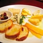 Bevitore - 世界のチーズ盛り合わせ