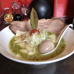 麺 藏藏 - バジルdeグリーン味噌 チーズプラス(別アングル)♪