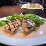 109336116 - メカジキのグリエ 海老クリームソース サラダとバターライス