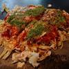 ひろしま屋 - 料理写真:・そば肉入りお好み焼き 700円  +玉子 50円