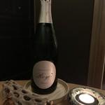 el Bau Decoration - シャンパンで乾杯