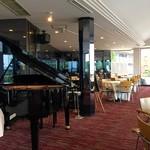 カフェ&レストラン ドルフィン - 2F