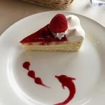 カフェ&レストラン ドルフィン - いちごのショートケーキ