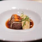 スリオラ - 国産牛テールとタンのシェリー酒煮込み  加賀ナスのフリット