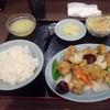 順香 - 料理写真:鶏モモ肉のから揚げとピーマン玉ねぎの四川唐辛子入り塩炒め