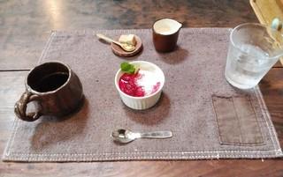 ワトト - くず粉と豆乳のレアチーズケーキ&珈琲
