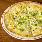 釜揚しらすと山椒のピザ