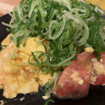 炊き餃子と鶏すき大衆酒場 仕事鶏A - トマ玉炒め