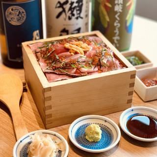 マグロ全部のせ肉トロちらし寿司1日3組様限定1740円♪