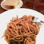 10939603 - メイン 蝦夷鹿と原木椎茸のトマトクリームパスタ
