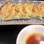 台湾料理 もやし - 餃子¥350
