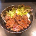 焼肉丼 たどん - ハラミ丼750円