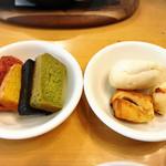 J'adore Chayamachi - 4色の食パン美味しい
