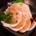 赤羽の ざきや - 鶏むね肉のたたき刺し~九州醤油で~
