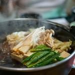 米沢牛亭 ぐっど - 2019.6 すき焼きの野菜(小松菜、白菜、しめじ、えのき、豆腐、しらたき)