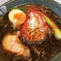麺処田ぶし - 沼津・富士・三島コラボ この冬、田ぶしの「黒」ブラック坦々麺