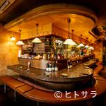 南欧田舎料理のお店タパス - スタッフとの笑顔を共有できる優しい雰囲気の空間