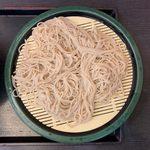 109415574 - 肉舞茸そば(冷) ¥500 の麺