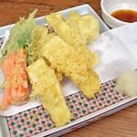 とろろ屋 半兵衛 - 自然薯(スライス&すりおろし)と野菜の天ぷら