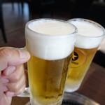 焼肉元太 - 生ビールでかんぱ~い(550円×2)