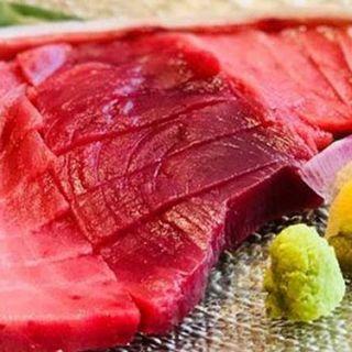【漁港直送!当日穫れたピチピチの新鮮なマグロ刺身☆】