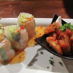 サラマンジェ - ひとつのお皿に南ヨーロッパ風とアジア風の前菜。大好きな生春巻も!こちらは生春巻き食べ放題のランチもあるそうですよ♪