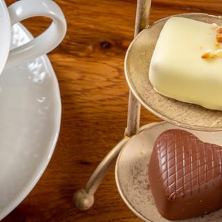 チョコレートは現在20種類。あなた好みの一粒をチョイス♪