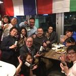 ワイン&チーズ オガーレ - いつも集まるワイン好きのメンバー様方