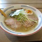 麺屋七彩 - 料理写真:塩ラーメン(650円)