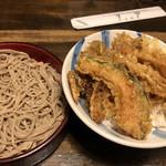 梅玉 - 野菜天丼とミニせいろ蕎麦のセット。970円。
