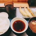 揚げたて天ぷら から天 - おすすめ天ぷら飯 ¥950。
