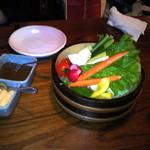 魚盛 池袋店 - 新鮮野菜の桶