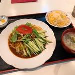 中華の台所 香港屋 -
