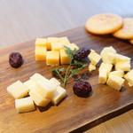 Craftbeer Gau's - チーズ盛合せ