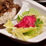 トルコ料理 ゲリック - ドネル ケバブ(牛肉)@税込1,080円:サラダに寄ってみる。