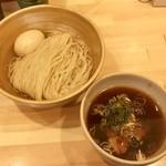 109458139 - 鰹昆布出汁味玉醤油つけ麺