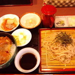 山女魚 - 豚の生姜焼き丼とそばセット 1,000円